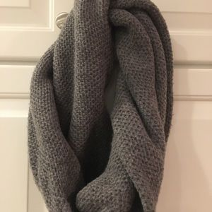 J. Crew Will Snood
